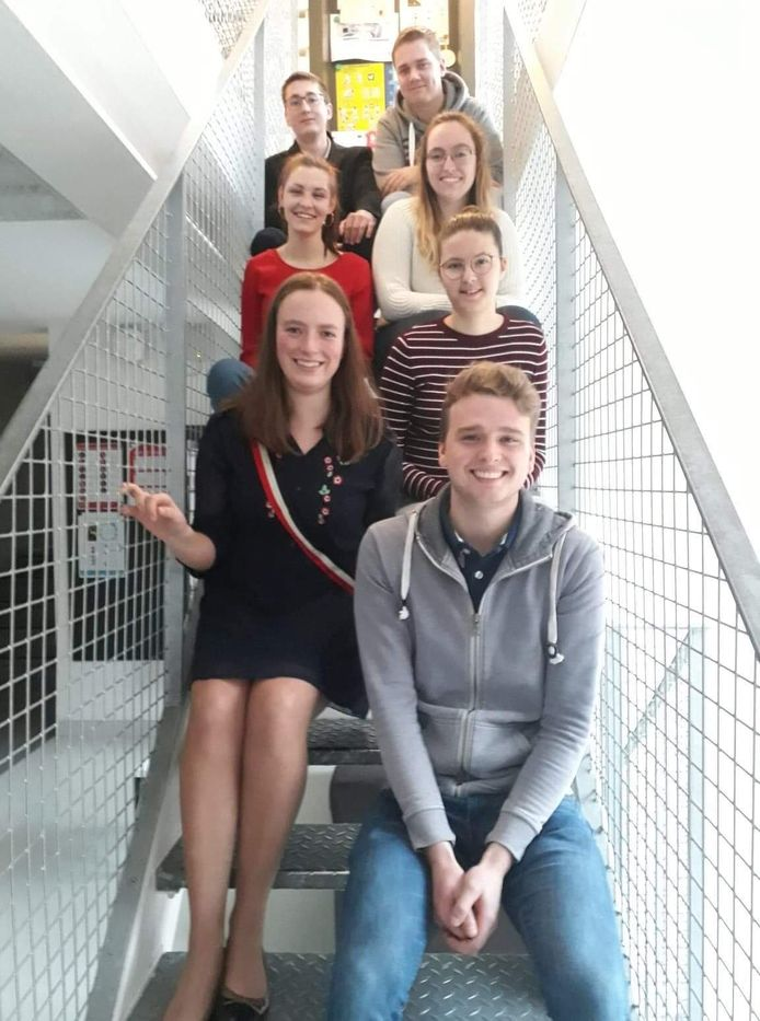 Doggy Fit is het project van hogeschool Vives-studenten Laura Vandewalle, Chloë Dewaele, Jelle Demuynck, Laurens Bolle, Elias Gryson, Lore Van Acker en Felle De Baerdemaeker.
