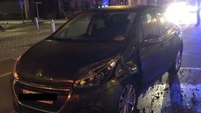 Bestuurder (75) krijgt beroerte, rijdt politiecombi aan en sterft in het ziekenhuis