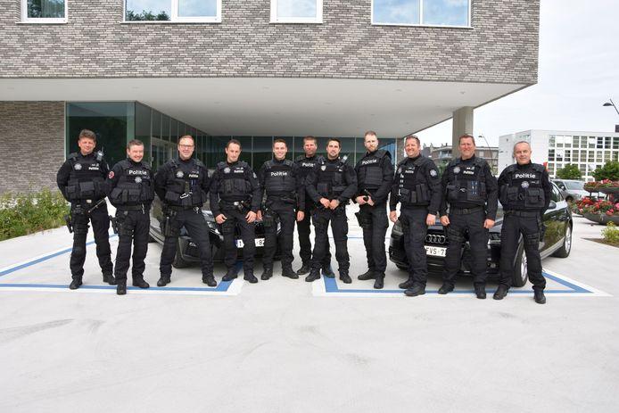 Het Snelle Respons Team van de politie Westkust, in een nieuw uniform.