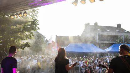 Zomerse Donderdag op Vlaamse feestdag: Nederlandstalige muziek van V.C. De Gies op kerkplein