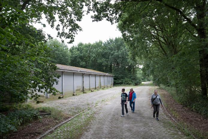 Belangstellenden konden begin juli het Mob-complex in Elst dat te koop staat, bezichtigen.