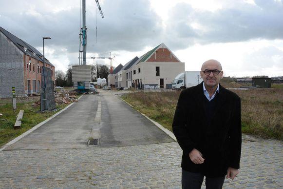 Schepen Boudewijn Vlegels aan woonproject Meersen.