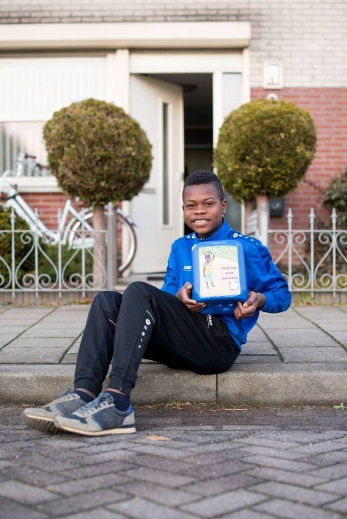 Jerome (9) vraagt een donatie voor zijn geboorteland Guinee in plaats van cadeaus voor zijn verjaardag.