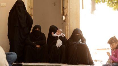 IS claimt vrouwen te hebben bevrijd die door Koerden werden vastgehouden