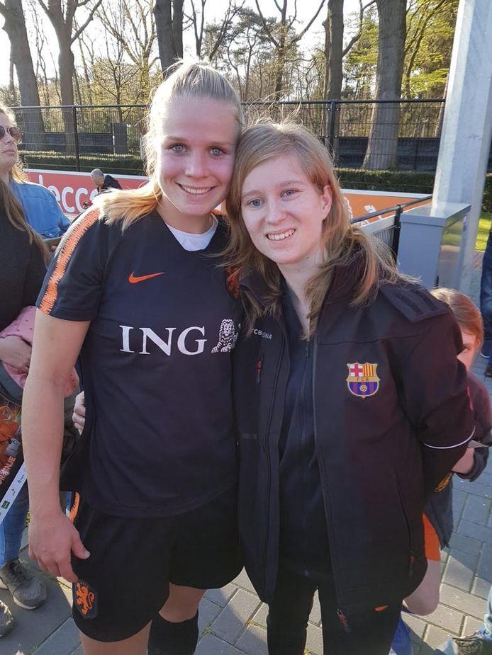 Estelle en Kika van Es.