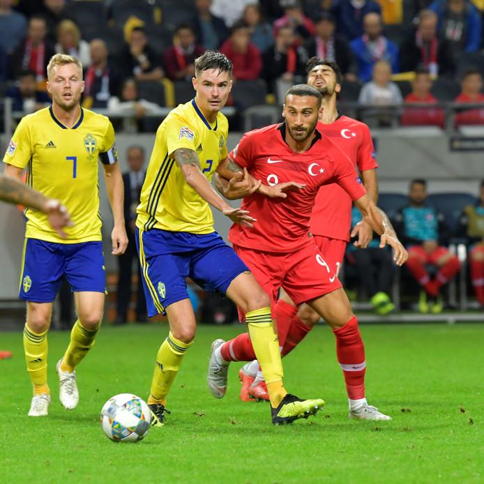 Turkije wint na een 2-0 achterstand van Zweden.