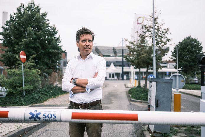 Hendrik Jan Mensink voor het SKB-ziekenhuis in Winterswijk.