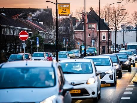 Grote drukte maar geen chaos in Dordrecht tijdens afsluiting Wantijbrug
