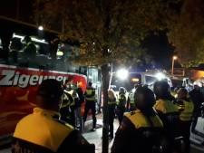 Opgepakte Belgische relschoppers bij Den Bosch - Twente verdacht van openlijke geweldpleging