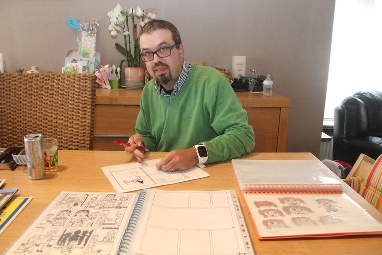 Striptekenaar Wim Vlieg (37) uit Lede werkt momenteel aan een verhaal over politievrouw Clara Kramer en een verhaal over trolletje Marie.