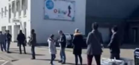 Videobeelden van lange rij Vlaardingers voor Action massaal bekeken: 'Was het toiletpapier in de aanbieding?'