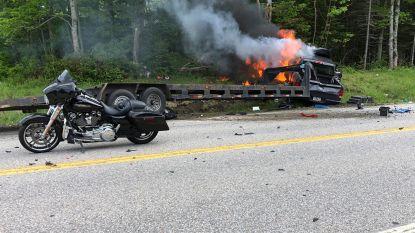 Pick-uptruck rijdt aan foute kant van de weg groep motorrijders aan in VS: zeven doden