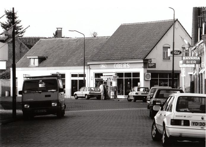 Een verdwenen hoekje Gemert. Waar nu woningen staan stond jarenlang aan de Molenstraat garage Obers.