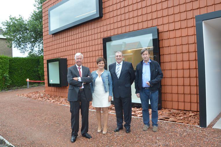 Archiefbeeld - De opening van de kantoren van Dewaco in Denderleeuw drie jaar geleden.