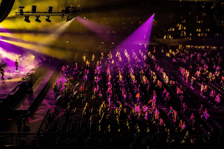 Nielson gisteravond in de Ziggo Dome tijdens het eerste Larger Than Live concert. Daarbij waren 2500 fans welkom in een zaal die plek biedt aan 17.000 toeschouwers. Beeld ANP Kippa