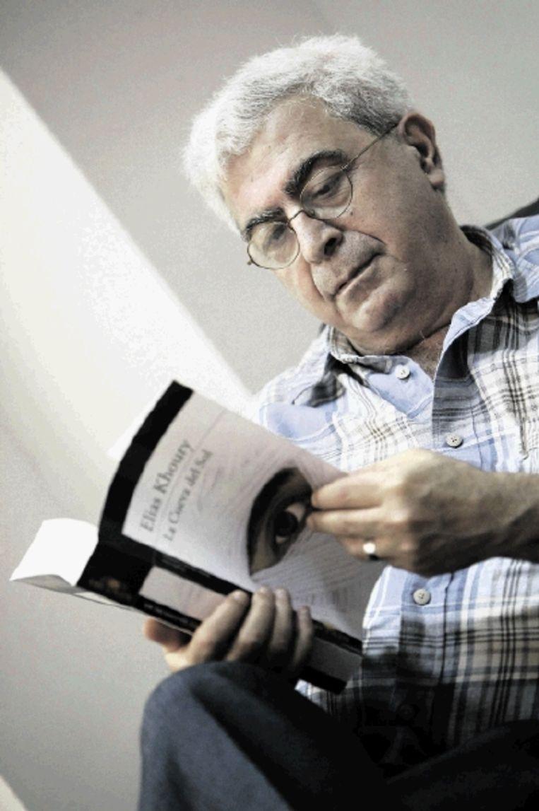 Elias Khoury, op bezoek in Nederland: 'Waarom is er door Palestijnen zo weinig over de nakba geschreven' Het antwoord ligt in het trauma. Het trauma slaat je met stomheid.' (FOTO EPA) Beeld EPA