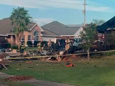 Vliegtuig Amerikaanse marine stort neer in woonwijk: twee doden
