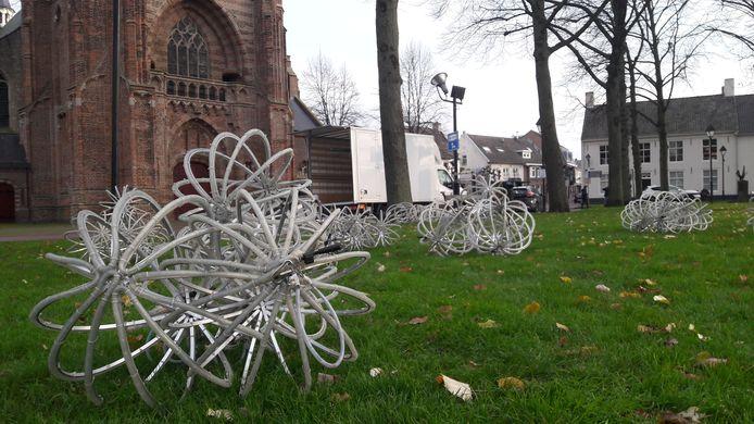 Boomballen gaan weer kerstsfeer in Hilvarenbeek brengen