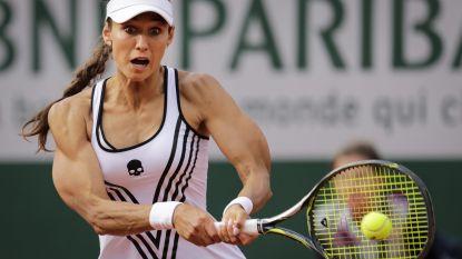 Ze sneuvelde al in eerste ronde op Roland Garros, maar door dit beeld blijft tennisster over de tongen gaan