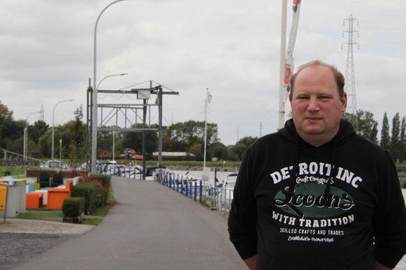 Sasmeester Dave Deceuninck uit Waregem sprong in de bres voor de veiligheid van wandelaars en fietsers, maar moet zich nu zelf voor de rechter verantwoorden.