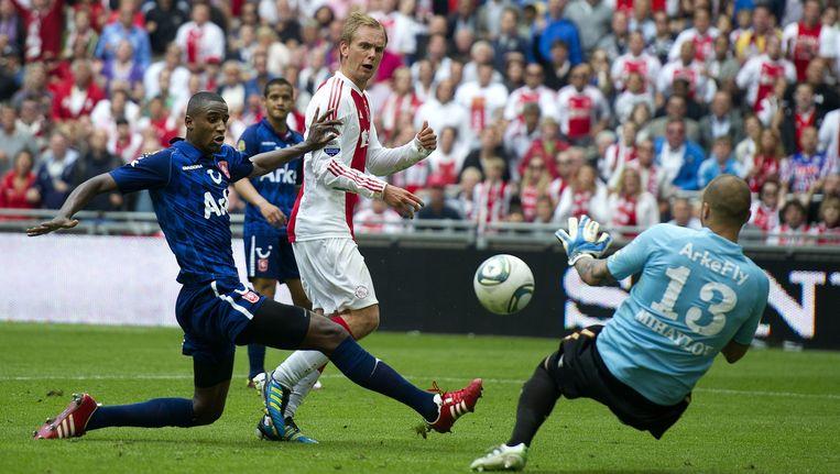 Mei 2011. Siem de Jong maakt de 3-1 voor Ajax in de kampioenswedstrijd tegen FC Twente, die zou resulteren in de dertigste landstitel van de Amsterdammers. Beeld anp