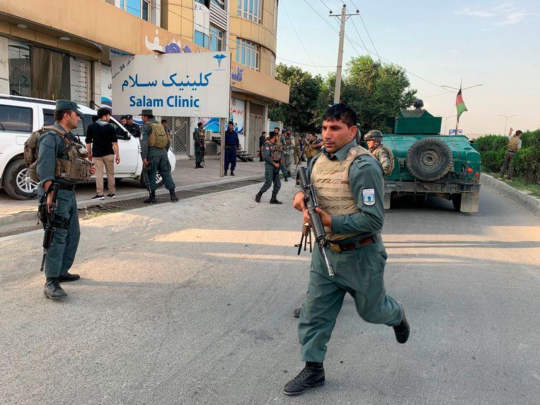 Afghaanse veiligheidstroepen snelden naar de hoofdstad nadat er een grote ontploffing plaatsvond.
