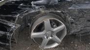 Politie vindt zwaar gehavende Mercedes in Vaartstraat
