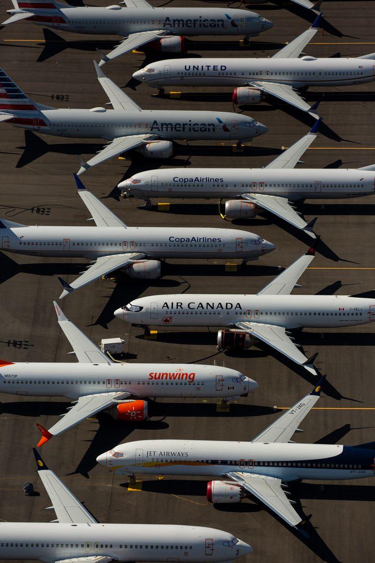 737 Max-vliegtuigen op een vliegveld in Seattle, waar Boeing toestellen stalt voor ze naar de klant gaan. Vanwege het vliegverbod blijven tientallen toestellen staan, waardoor Boeing ze nu noodgedwongen plaatst op de parkeerterreinen rond zijn fabriek in het nabijgelegen Renton. Beeld null