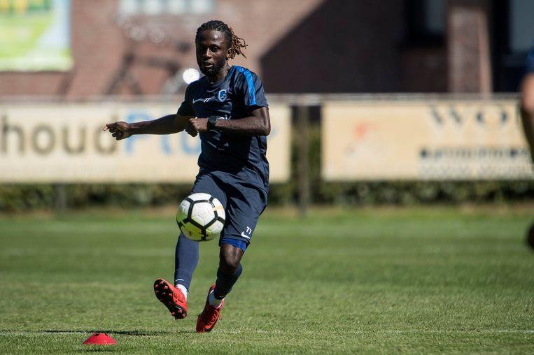 Geen Ndongala op de officiële ploegfoto.