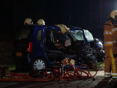 Drugsrijder die zwaar ongeval in Zwartsluis veroorzaakte, weet er niets meer van: 'Ik heb niet eens een rijbewijs, dus hoe ik in die auto kwam?'