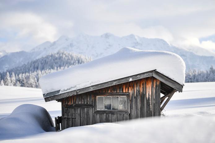 In het zuiden van Duitsland, Oostenrijk en Zwitserland komt de komende dagen een flink pak sneeuw naar beneden.