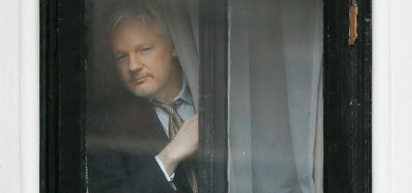 Wikileaks-oprichter Assange begint zaak tegen 'gastheer' Ecuador om nieuwe huisregels