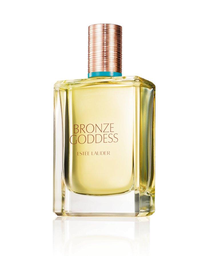 Je krijgt gegarandeerd complimentjes bij deze zoete kokosgeur. Bronze Goddess Eau Fraîche Spray van Estée Lauder € 73,46 bij Ici Paris XL