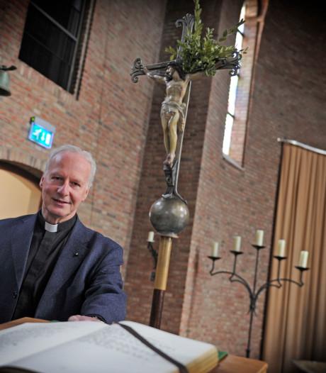 Vicaris Woolderink stopt in West-Twente, gaat door in Almelo