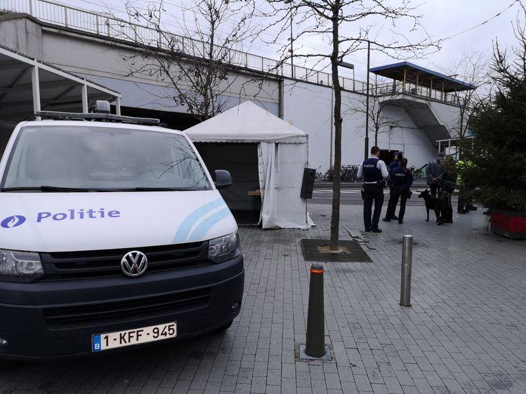De polite hield de controleactie ook aan het station Nekkerspoel.