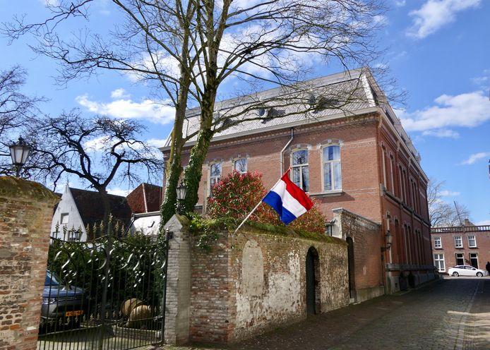Op de straathoeken van Heusden waren vlaggen te zien