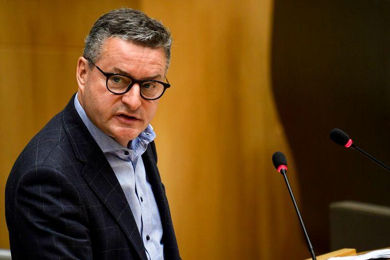 """Veel ouders die een deel van de tijd zorg dragen voor hun kroost, hebben fiscaal minder rechten dan de andere. Dat komt omdat de kinderen niet bij hen gedomicilieerd zijn. Dat is achterhaald"""", zegt CD&V-fractieleider Koen Van den Heuvel."""