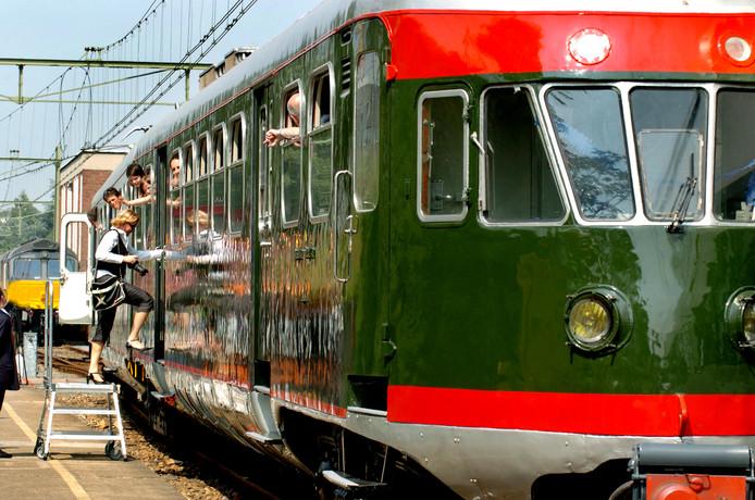 Een van de treinen die na een opknapbeurt door tROM weer naar het Spoorwegmuseum in Utrecht kon.
