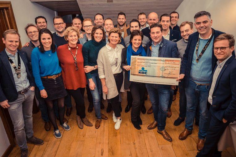 De Tafelaars schenken 10.000 euro aan Amalou, een gezondheidscentrum voor kankerpatiënten.