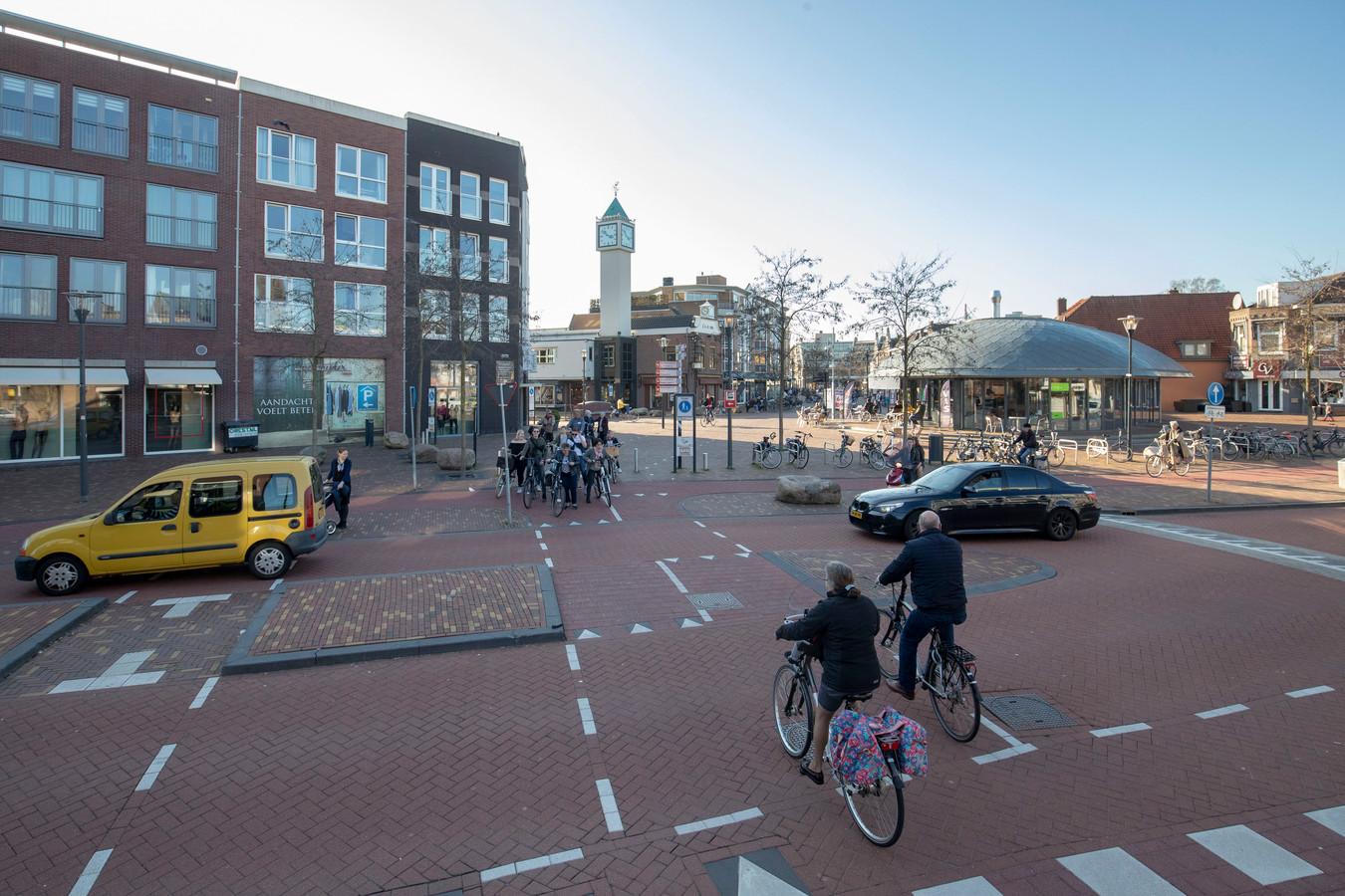 De nieuwe oversteekplaats voor fietsers en voetgangers bij het Zwaaiplein die veel verwarring veroorzaakt.