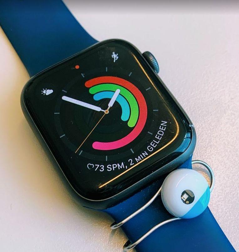 De sensor, aan een horloge vastgemaakt. Beeld Laurens Verhagen