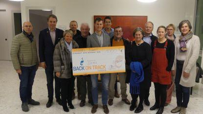 Triatleet Hannes Bonami schenkt 1.000 euro aan Back on Track