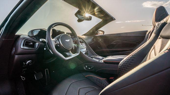 Aston Martin DBS Volante Superleggera.