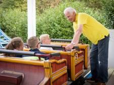 Jack Bierens uit Eindhoven is de lieve opa bij de achtbaan in Dippie Doe in Best