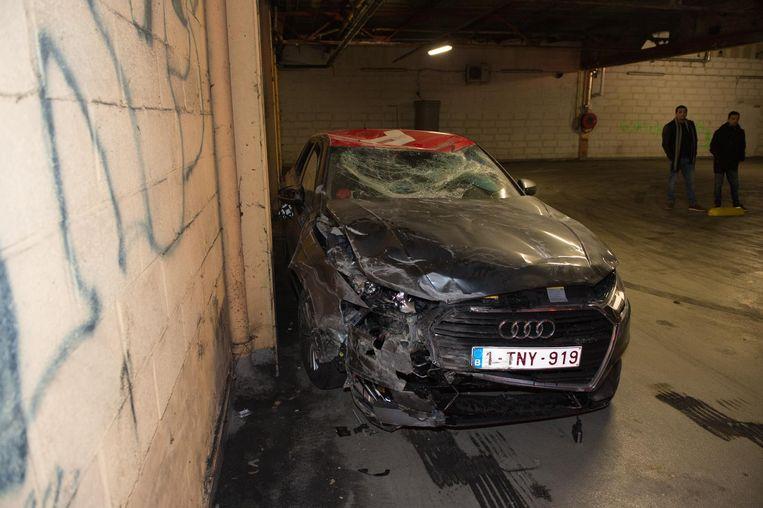 Begin februari beschadigde een joyrider een Poppy-deelwagen in een bovengrondse parking aan de Brico in de Noorderlaan. Op dat moment bestond het deelwagensysteem waarmee je wagens kan openen met één enkele klik op je smartphone nog maar twee weken en waren er al tientallen ongevallen gemeld.