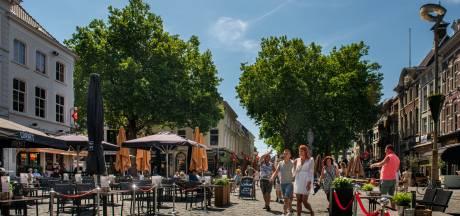 Breda haalt opgelucht adem... Op 1,5 meter afstand van elkaar