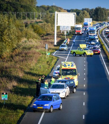 Botsing tussen meerdere voertuigen op N11 tussen Alphen en Bodegraven