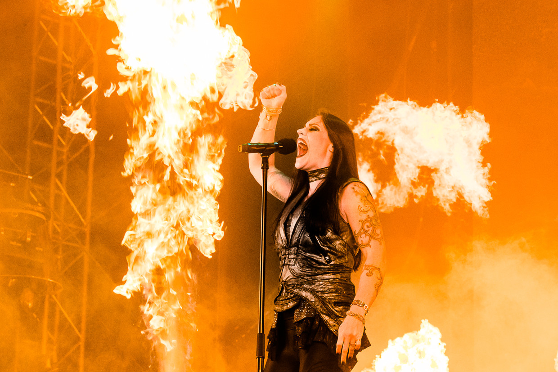 Nightwish-frontvrouw Floor Jansen tijdens Fortarock.