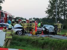 Vier zwaargewonden bij botsing tussen twee auto's