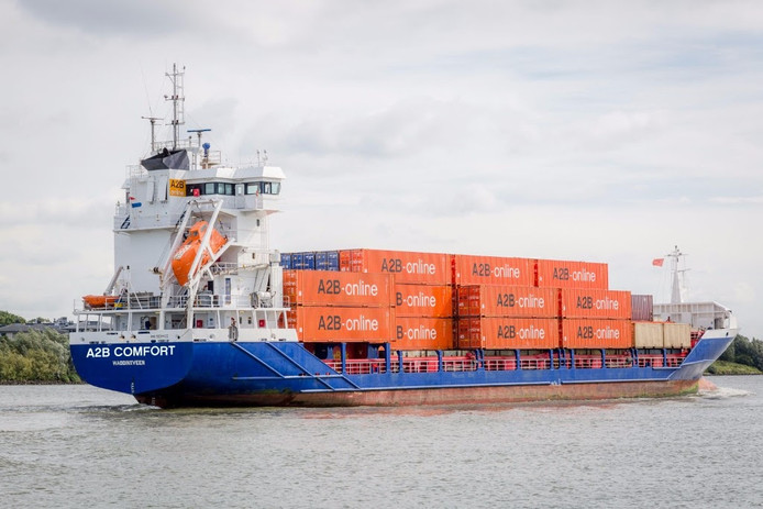 A2B-online investeerde in derde containerschip.